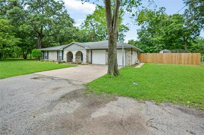 107 MIMOSA ST, Clute, TX 77531 - Photo 2