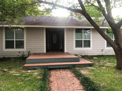 1624 AVENUE P, Huntsville, TX 77340 - Photo 1