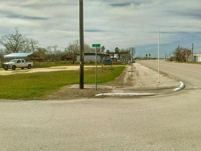 407 W BROADWAY AVE, Seadrift, TX 77983 - Photo 1