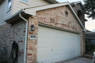 10430 BRIAR PATCH ST, Baytown, TX 77523 - Photo 2