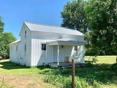 304 S SCOTT ST, Fayetteville, TX 78940 - Photo 1