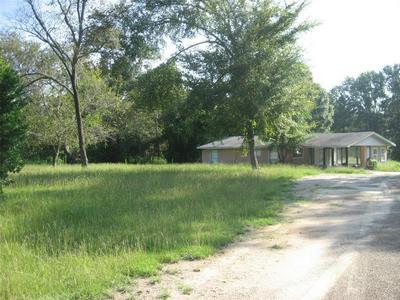 103 CHESTNUT STREET, Grapeland, TX 75844 - Photo 1
