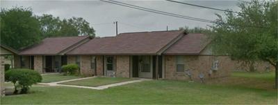 711 N SIGRID AVE, Hebbronville, TX 78361 - Photo 2