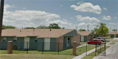 1801 BOSQUEZ ST, ROBSTOWN, TX 78380 - Photo 1