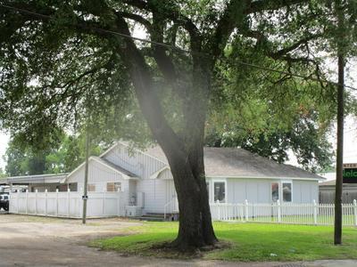 605 S MAIN ST, Highlands, TX 77562 - Photo 1