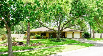 2702 MEADOW LN, El Campo, TX 77437 - Photo 1