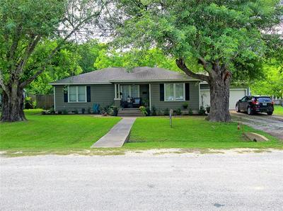 409 N COLLEGE ST, Weimar, TX 78962 - Photo 1