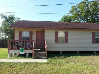 615 19TH ST, Hempstead, TX 77445 - Photo 2
