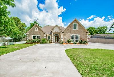 362 SMITH ST, Clute, TX 77531 - Photo 2