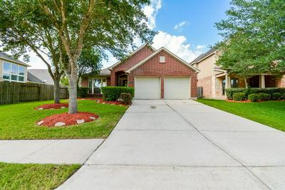 13417 MOONLIT LAKE LN, Pearland, TX 77584 - Photo 2