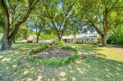 702 E MAIN ST, Madisonville, TX 77864 - Photo 2