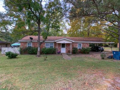 302 W SPRING ST, Centerville, TX 75833 - Photo 1