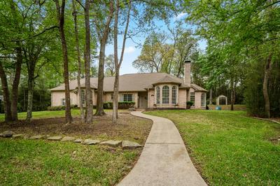 2315 W GREEN BRIAR DR, HUNTSVILLE, TX 77340 - Photo 1