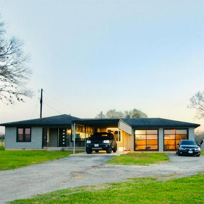 7281 US HIGHWAY 90A, Shiner, TX 77984 - Photo 1
