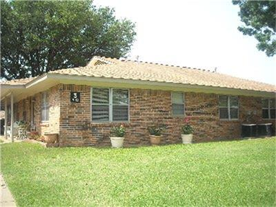 213 VAL VERDE, Keene, TX 76059 - Photo 2