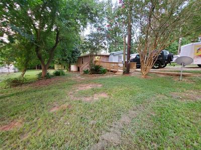 14136 SHADOW BAY DR, Willis, TX 77318 - Photo 2