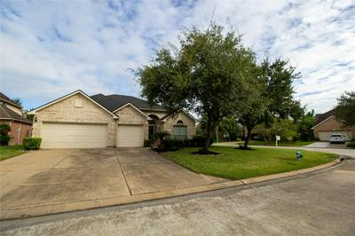 502 SILVER LEAF CT, Pearland, TX 77584 - Photo 2