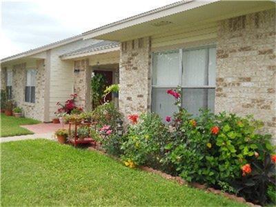 700 GORDON ST, SINTON, TX 78387 - Photo 1