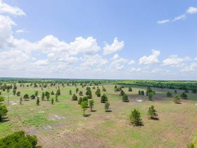 8 COUNTY ROAD 451, Waelder, TX 78959 - Photo 2