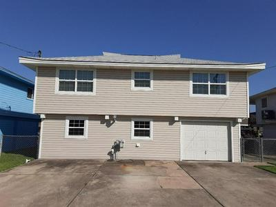 833 MARLIN ST, Hitchcock, TX 77563 - Photo 2