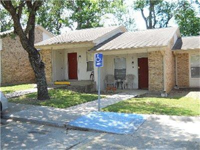 700 N PINER ST, Honey Grove, TX 75446 - Photo 1