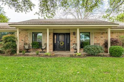 230 TAIT ST, Columbus, TX 78934 - Photo 1