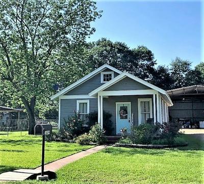 1009 MANSFIELD ST, Garwood, TX 77442 - Photo 1