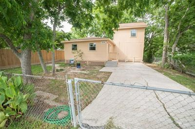 8326 N MARTIN LUTHER KING AVE, Hitchcock, TX 77563 - Photo 2