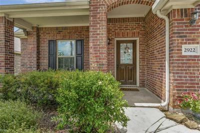 2922 BOULDER BEND LN, Dickinson, TX 77539 - Photo 2