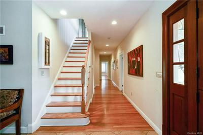 2 ONEIDA RD, Scarsdale, NY 10583 - Photo 2