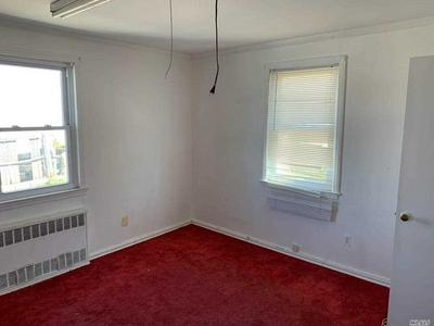 17 OAK DRIVE HOUSE, Syosset, NY 11791 - Photo 2