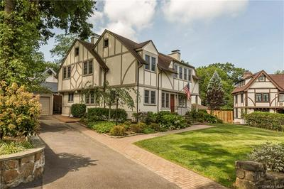 4 OVAL CT, Eastchester, NY 10708 - Photo 2