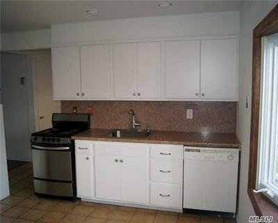 174 BLUEBERRY LN, Hicksville, NY 11801 - Photo 2