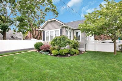 1715 KIRKWOOD AVE, Merrick, NY 11566 - Photo 2
