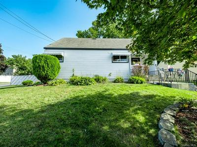260 MOUNTAINDALE RD, Yonkers, NY 10710 - Photo 2