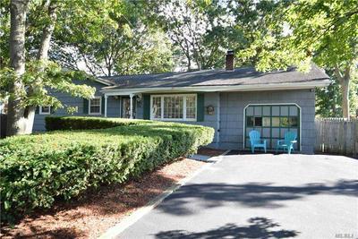 6 ROBINSON AVE, Medford, NY 11763 - Photo 1