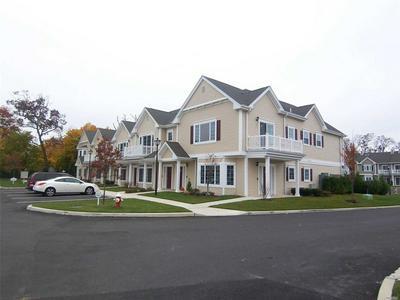 122 KENNETH CT # 122, Amityville, NY 11701 - Photo 2
