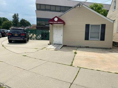 146 BETHEL RD, Albertson, NY 11507 - Photo 2
