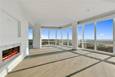 5 RENAISSANCE SQ # 39PH8G, White Plains, NY 10601 - Photo 2