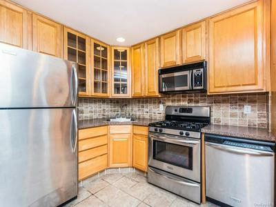 1189 CALIFORNIA ROAD 1R, Eastchester, NY 10709 - Photo 2