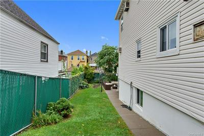 1037 QUINCY AVE, BRONX, NY 10465 - Photo 2