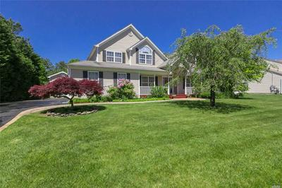 16 SOUTHAVEN DR, Brookhaven, NY 11719 - Photo 2
