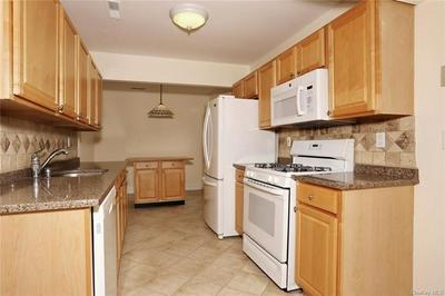57 NEW HOLLAND VLG # 57, Clarkstown, NY 10954 - Photo 2