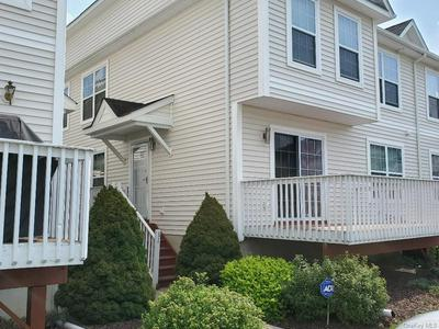 31 LEXINGTON WAY, Middletown, NY 10940 - Photo 2