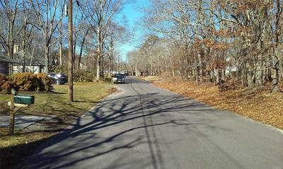 1000 WELLS RD, Laurel, NY 11948 - Photo 2