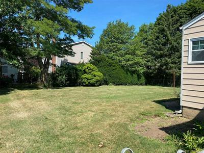 6 CLIFF DR, Hicksville, NY 11801 - Photo 2