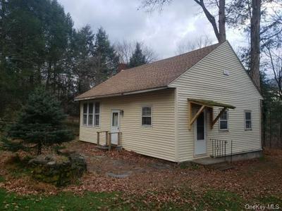 8 CLAPP HILL RD, Lagrangeville, NY 12540 - Photo 2
