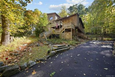 56 CHARDAVOYNE RD, Warwick, NY 10990 - Photo 2