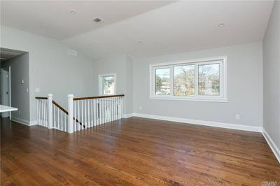 22 MIDWOOD RD, W. Babylon, NY 11704 - Photo 2