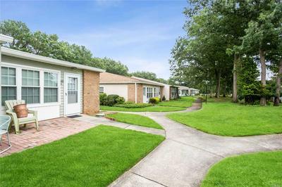 422 D WOODBRIDGE DRIVE 422D, Ridge, NY 11961 - Photo 2